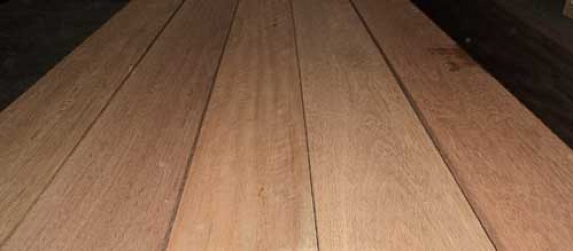 2019-05-19-kayu-intl-apitong-truck-and-trailer-transportation-hardwood-decking-flooring-500x219px